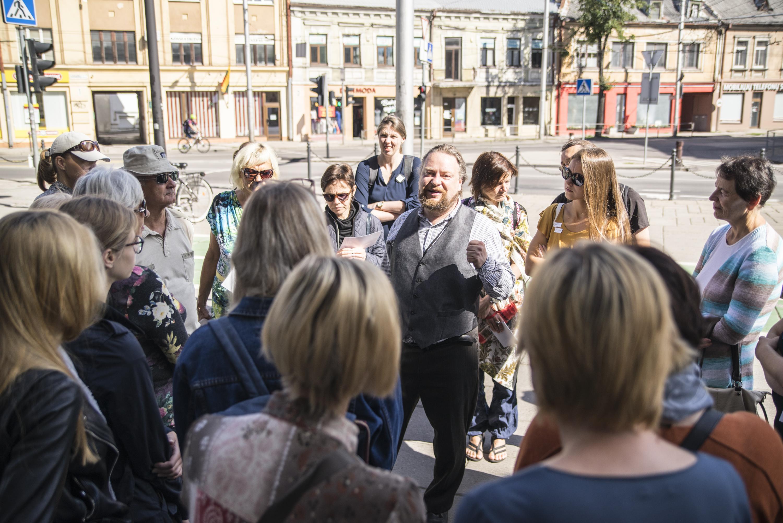 """Gidas Jonas Oškinis pristatė, kodėl ekskursiją po vietas kur pieštas Senamiestis galima vadinti ir """"Dingęs Kaunas"""""""