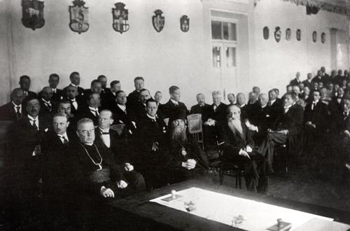 Į Seimo atidarymus atvykdavo stačiatikių, žydų, katalikų dvasiniai lyderiai (šiuo atveju, ir Maironis)