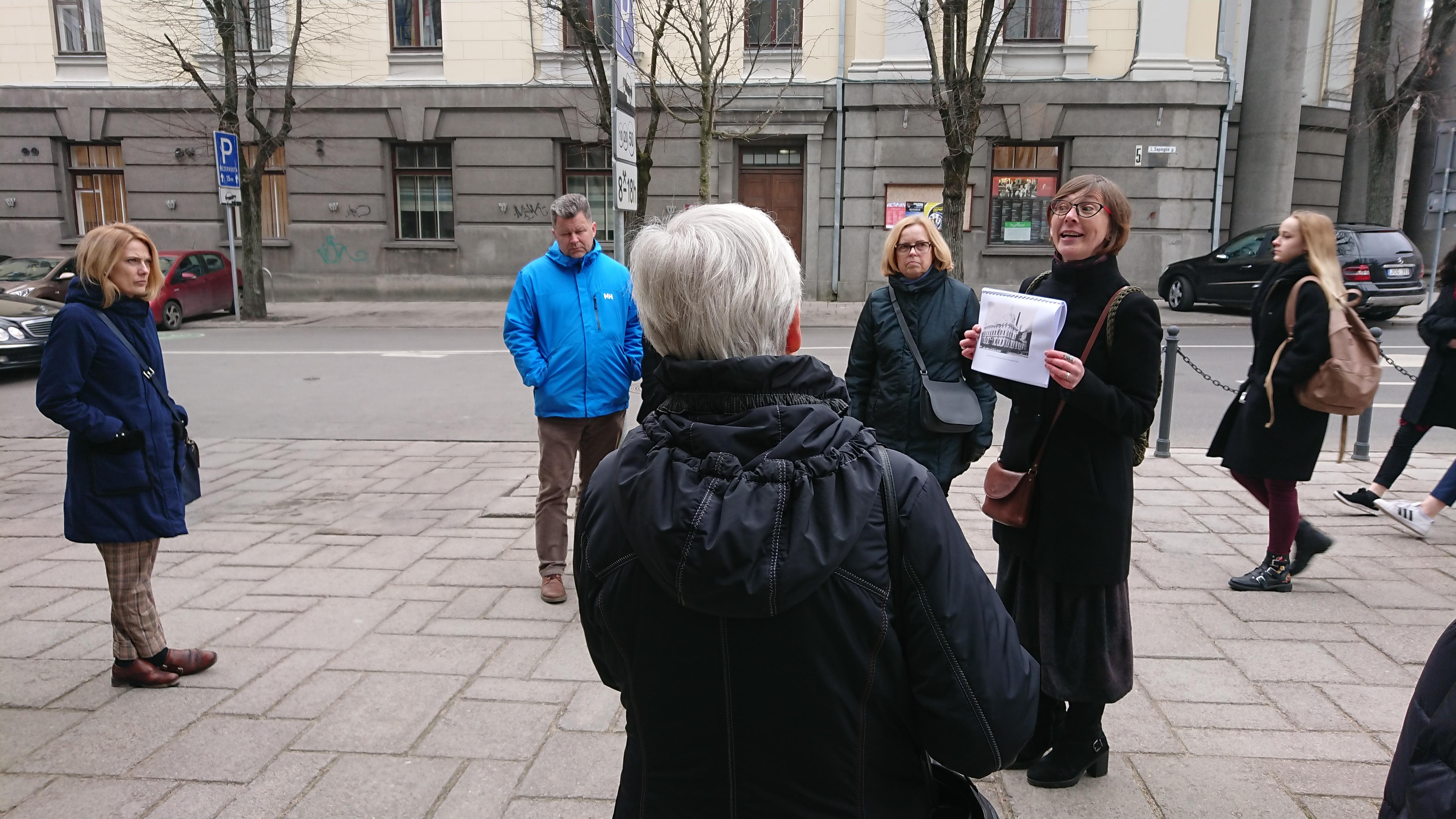 Kas bendro tarp Lietuvos banko Kauno elektrinės ir M.K. Čiurlionio